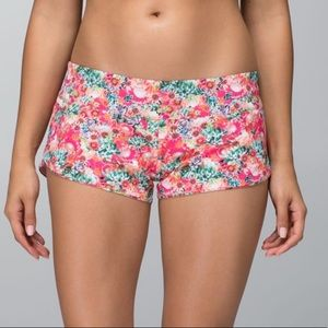 Lululemon Flowabunga Mini Multi Shanti Surf Shorts